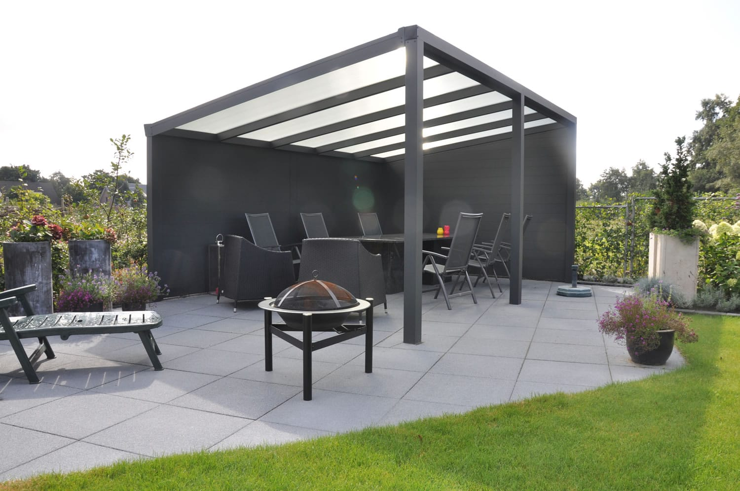 a canopy or veranda for your garden tuin tuindeco blog. Black Bedroom Furniture Sets. Home Design Ideas