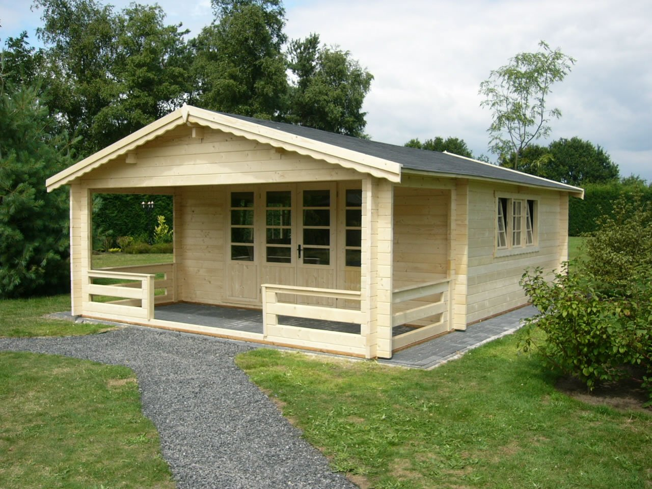 Nottingham Log Cabin
