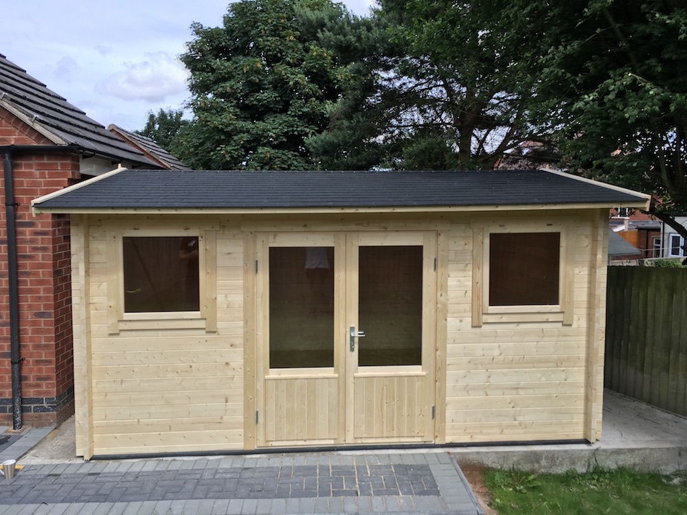 Jenny log cabin in 40mm logs and double glazed