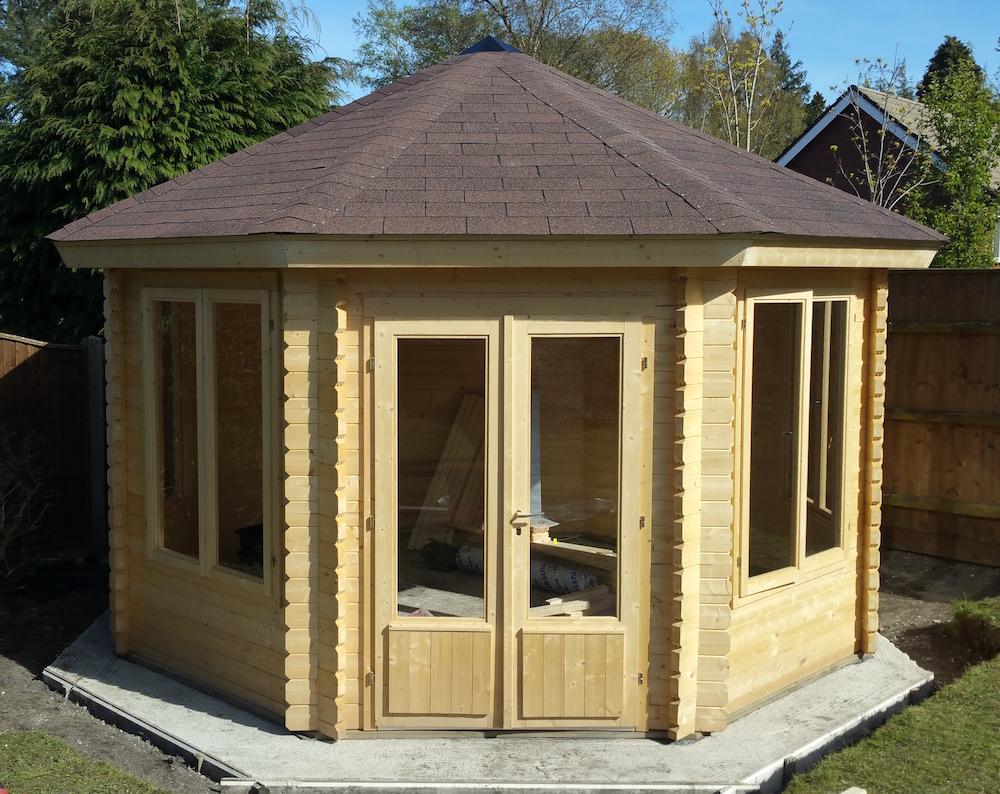 lynn corner log cabin. Black Bedroom Furniture Sets. Home Design Ideas