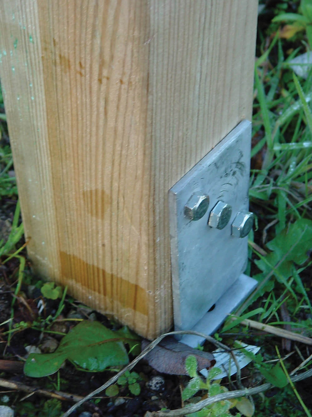 For use when securing your Kos Larch Gazebo into a cemented base, allowing adjustable heights. Adjustable Post Holder