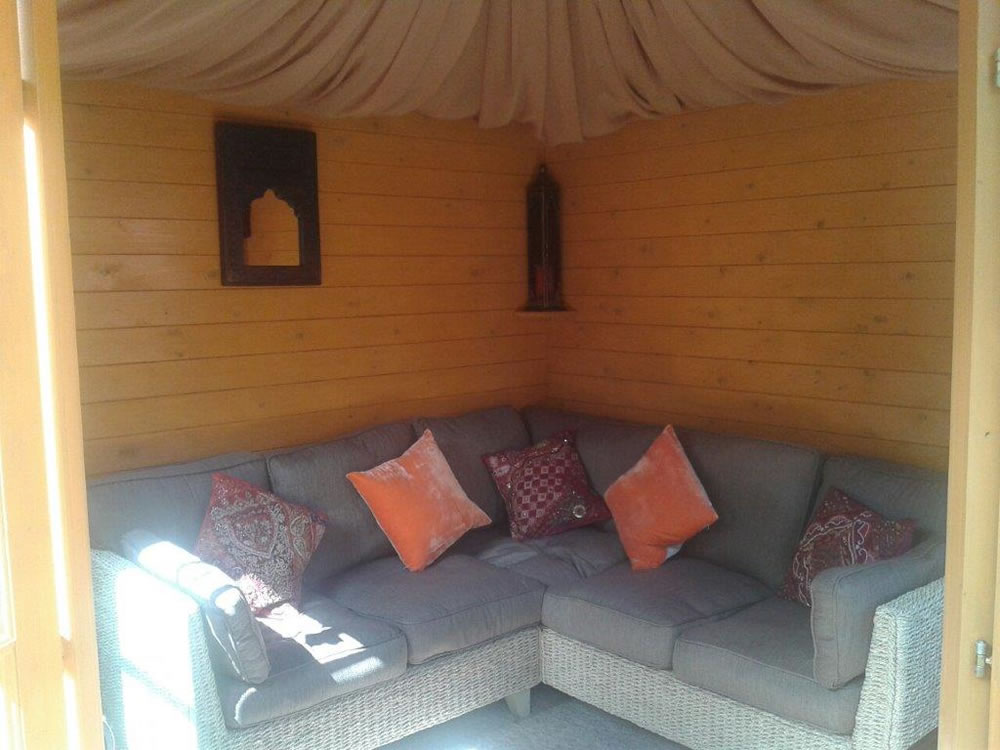Asmund Corner log cabin inside view