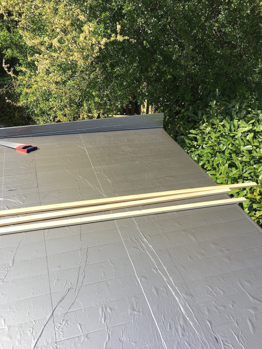 Easy roof membrane, a great alternative to roofing felt or epdm.