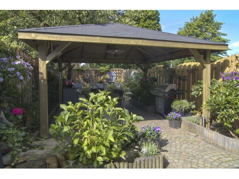 Extremo gazebo, ideal for outdoor dining with friends