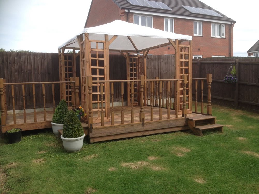Gazebo with canvas roof with optional diagonal supports