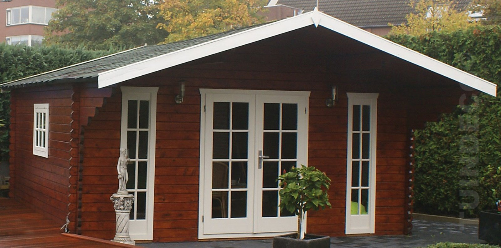 Gustav Log Cabin