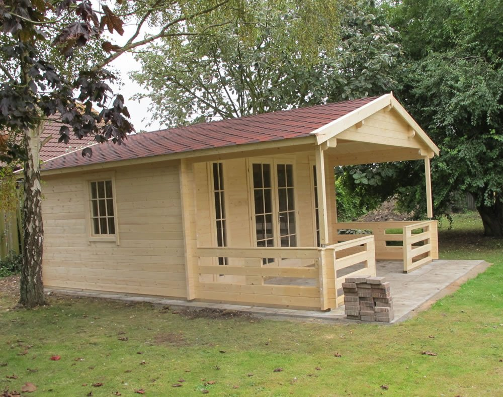 Heino log cabin with a front 2m veranda