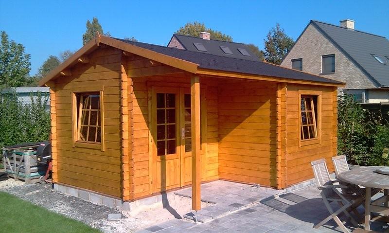Johan log cabin