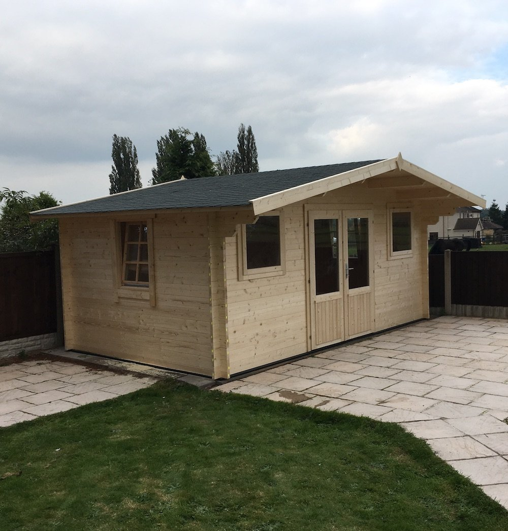 karen 40mm log cabin - pictured with an extra side window