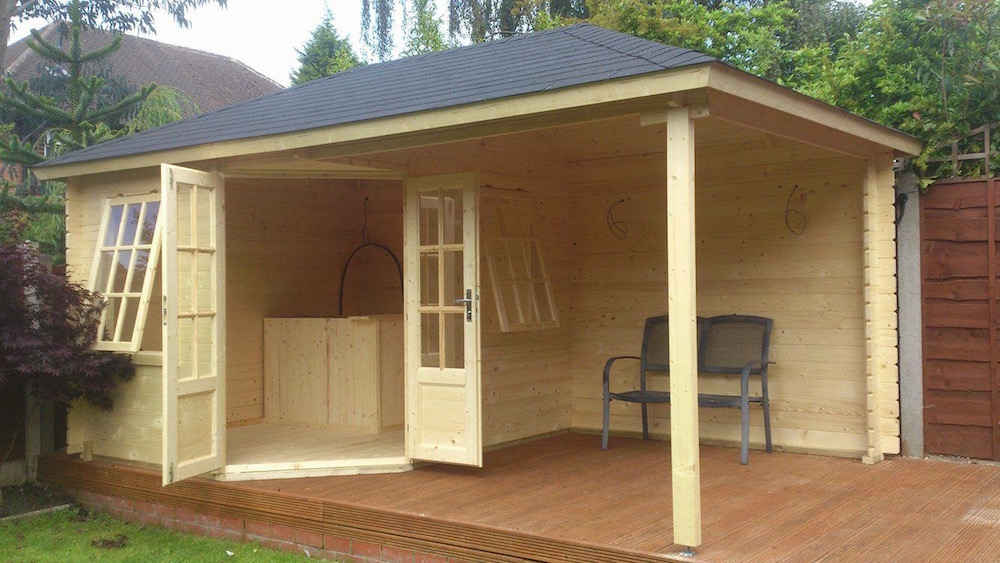 Kennet corner log cabin with canopy