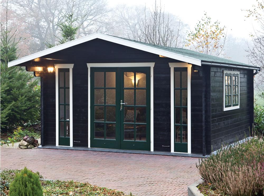 Laula Log Cabin