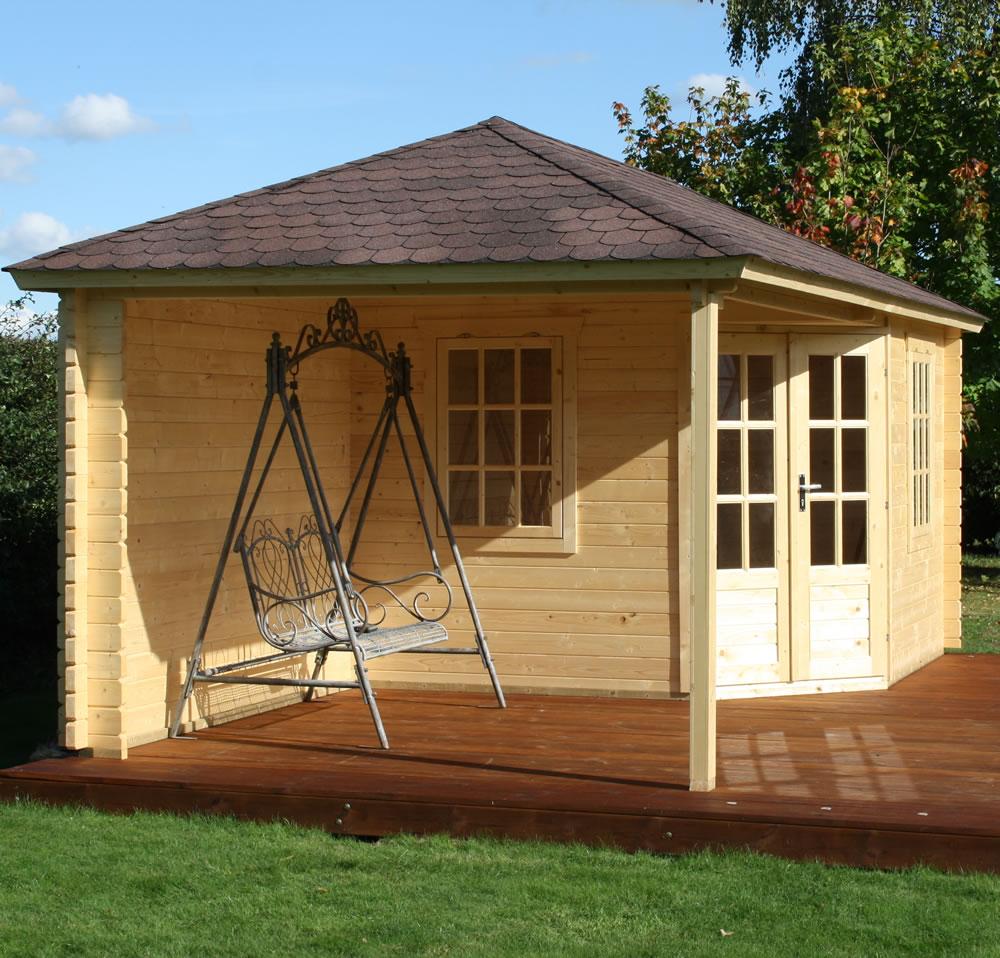 Log cabin with gazebo porch area - Jannie
