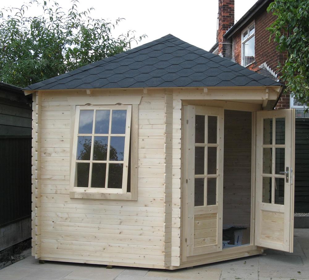 nilsson corner log cabin. Black Bedroom Furniture Sets. Home Design Ideas