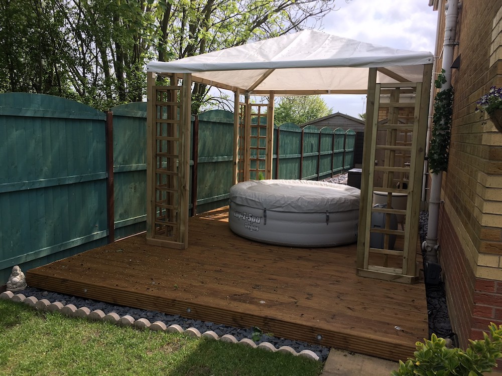 A great hot tub cover - the pergola with plastic roof