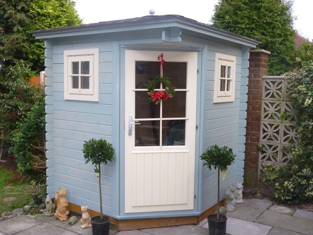 Petit log cabin