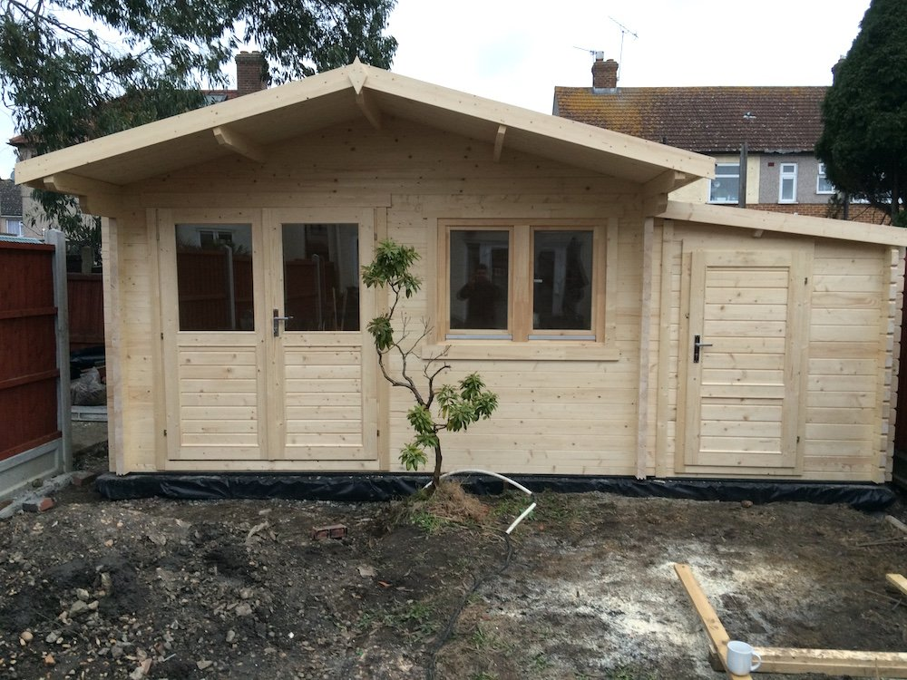 Rorik log cabin with a 45mm annexe to the side