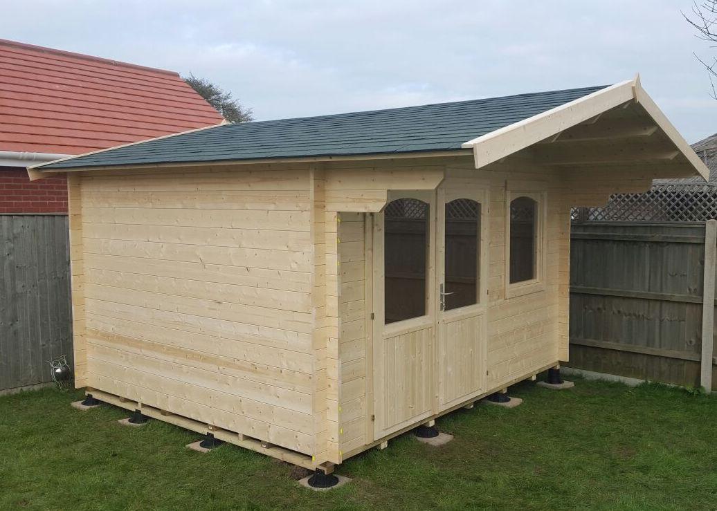 Rosen log cabin using our timber frame base pads