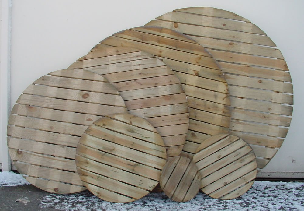 Round decking tiles