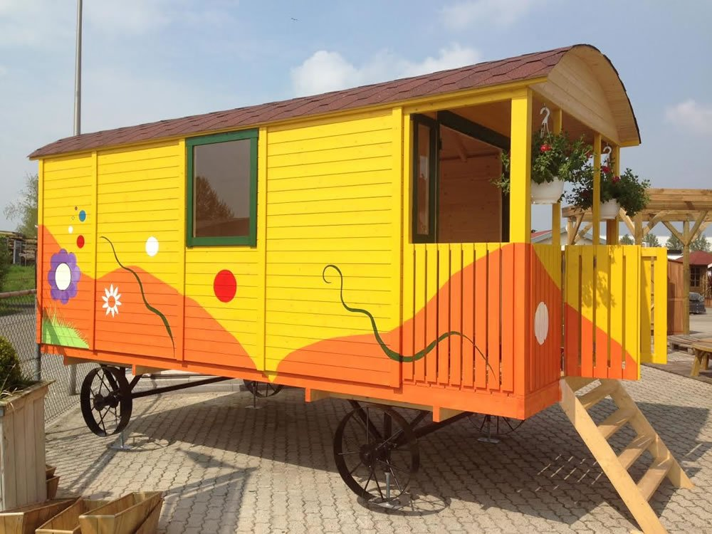 Shepherd Hut - Coevorden The current show one in Holland - Very Whacky!