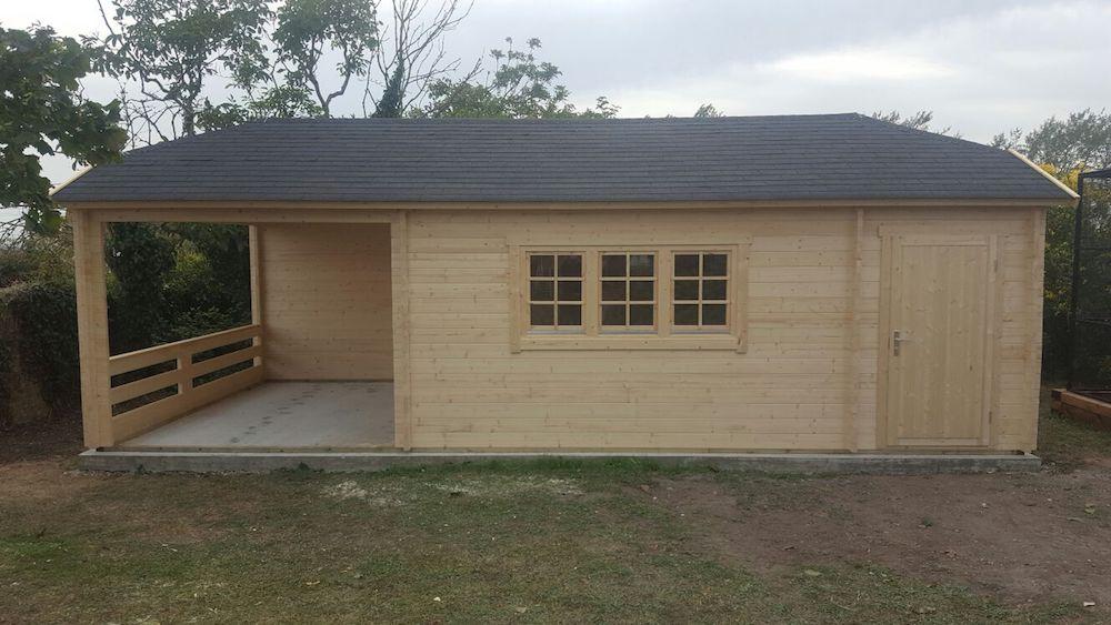 Sibella hipped roof log cabin