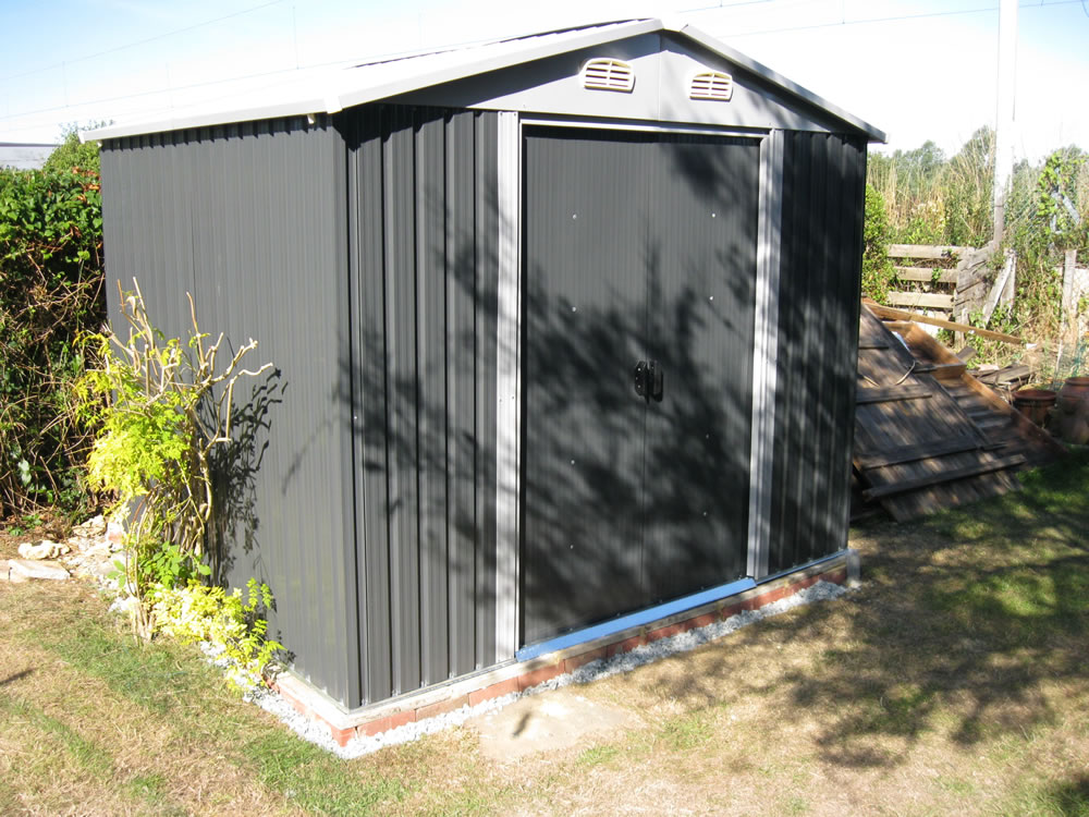 Tuin metal shed