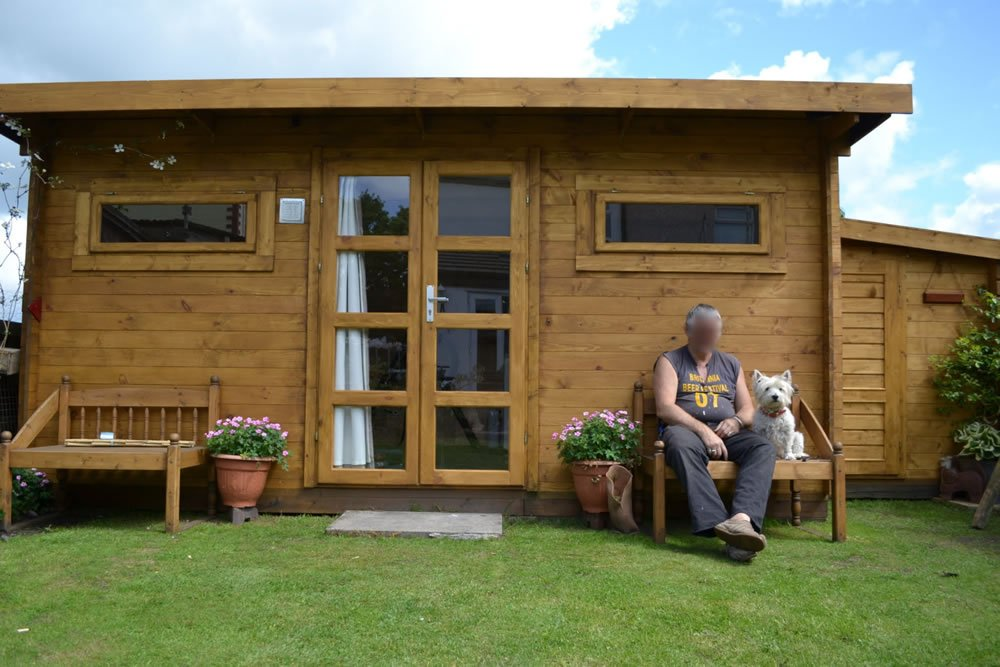 Zutphen log cabin with optional side annexe cabin